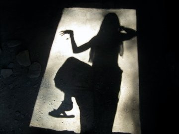 Shadow dancing foot